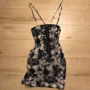 Black Brand Black & White Batik Zipper Dress XS